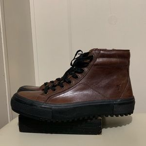 NWOT Frye boots size 8.5